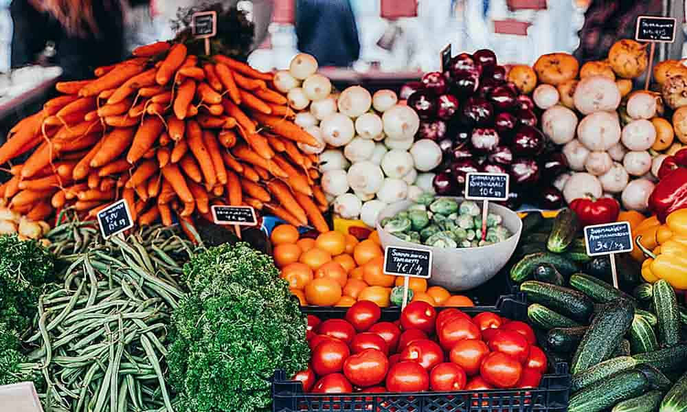 Choosing the Right Vegetables at the Market